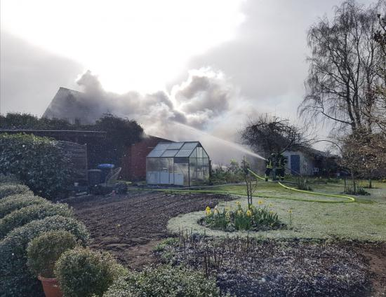 Bild - Feuer am Ostermontag in Revensdorf