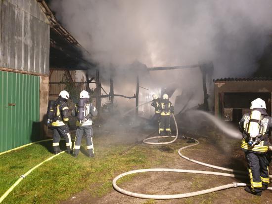 Bild - Scheunenbrand in Hohn-Garlbek (FEU G 00)