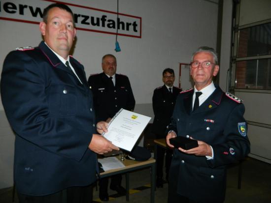 Bild - Jahreshauptversammlung FF Grauel -Dank und Anerkennung für Gemeindewehrführer Jörg Rohweder-